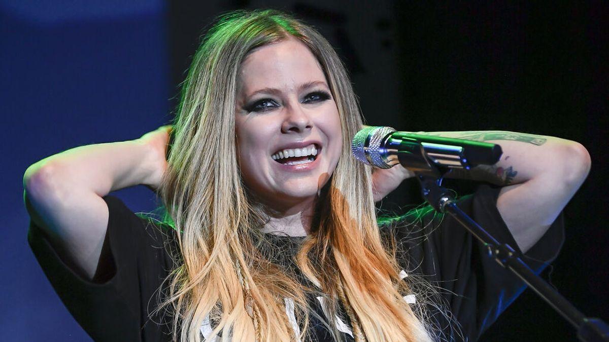 La eterna juventud de Avril Lavigne no es exclusiva: otros rostros conocidos que no envejecen