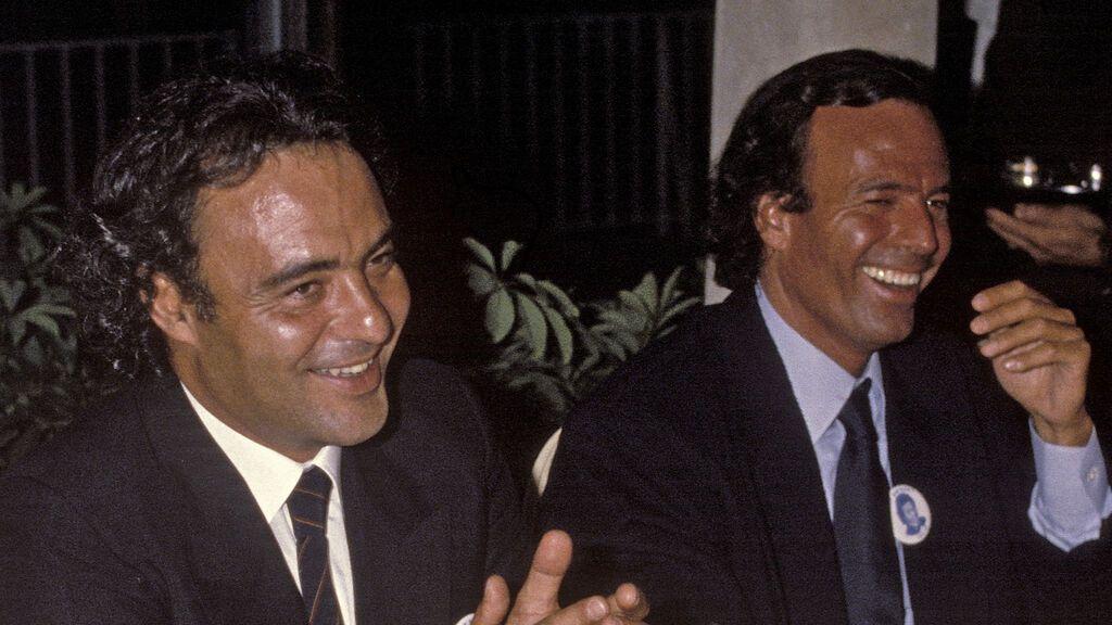 Julio Iglesias con su hermano, Carlos