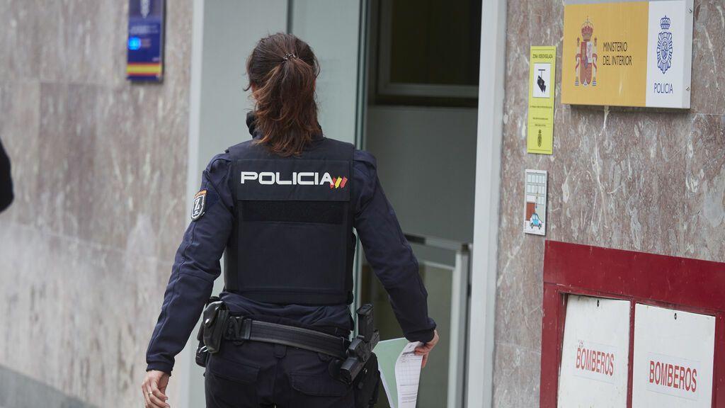 El sindicato de policía SUP denuncia que hay comisarías con un solo agente para proteger a 100 maltratadas
