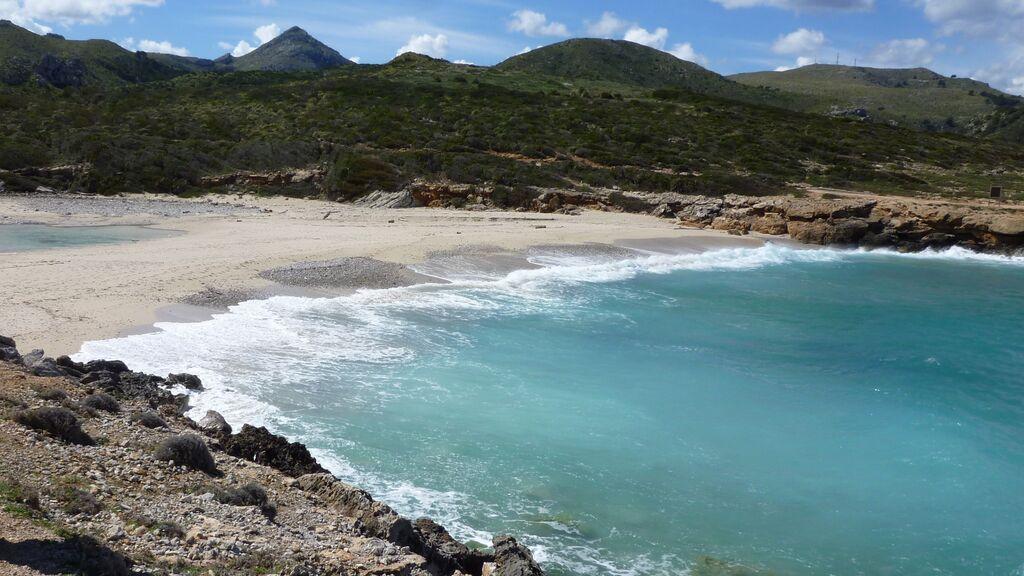 Cala Torta es una playa situada cerca de Artà, en Mallorca.