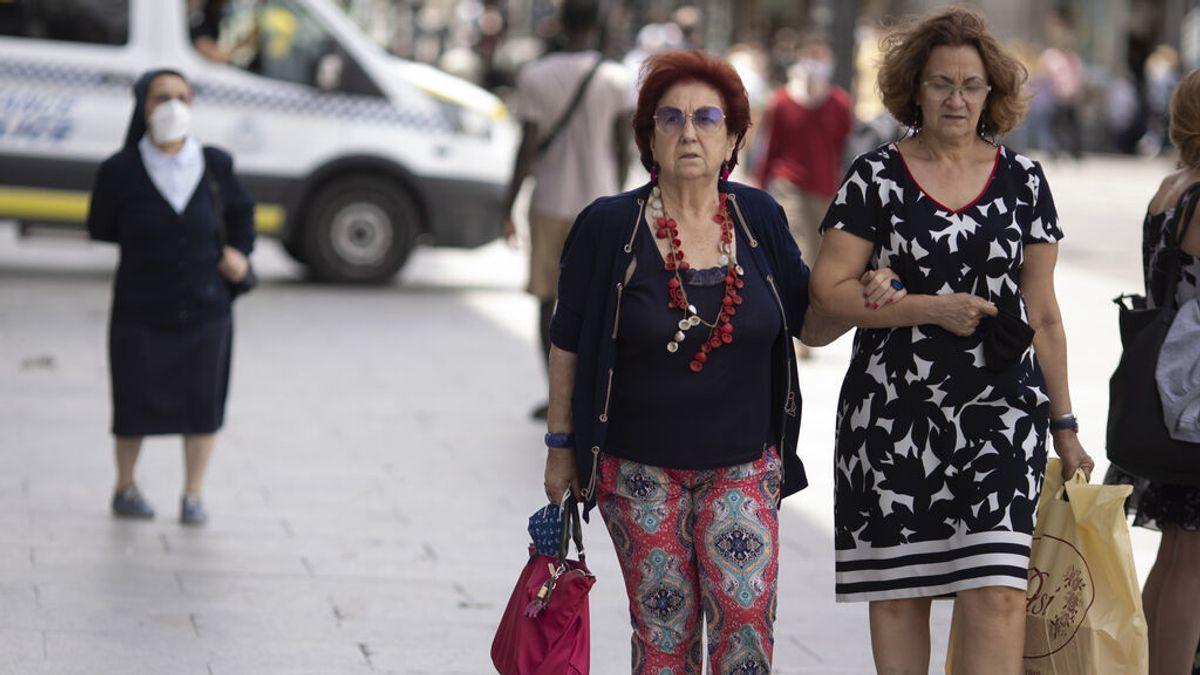 España afronta el fin de las mascarillas en exteriores con 31 provincias en riesgo medio o alto