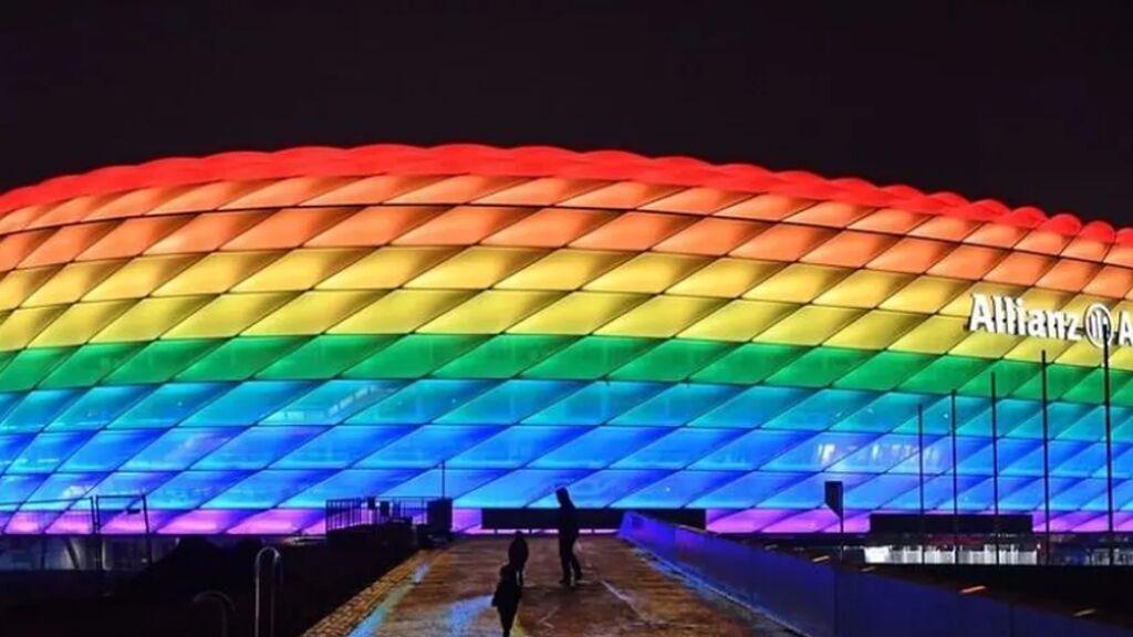 La UEFA prohíbe que el Allianz Arena se ilumine con los colores LGTBI