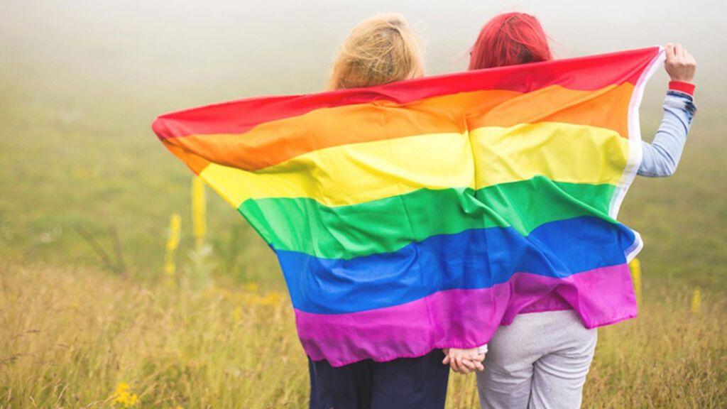 Del rojo al morado, pasando por el verde y el azul: este es el significado de cada color de la bandera del Orgullo Gay.