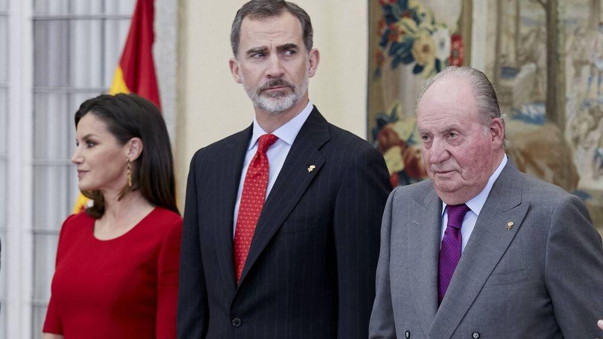 Juan Carlos pidió a Felipe que se divorciara de Letizia, según Pilar Eyre