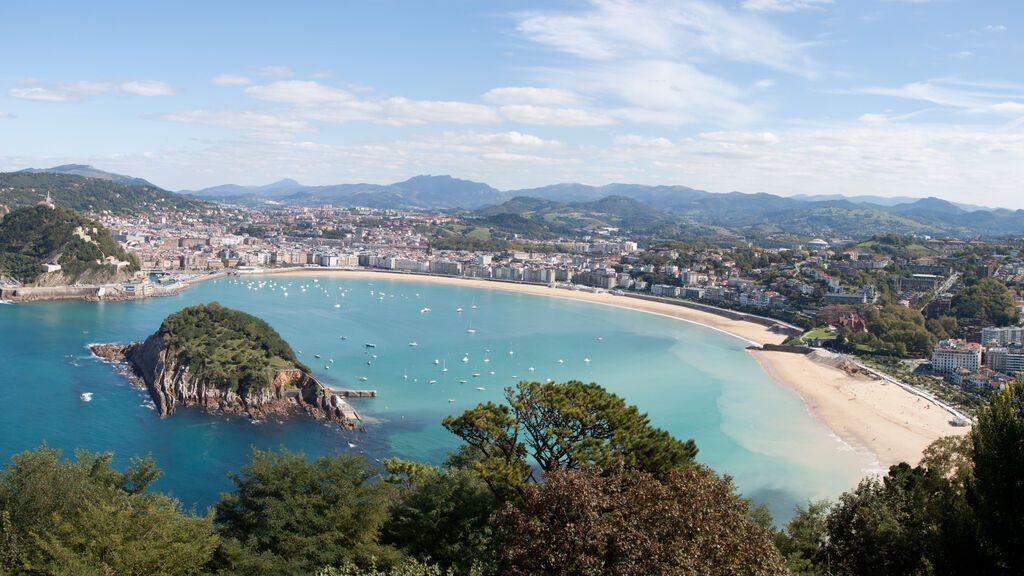 Panorama_from_Monte_Igueldo_(5106955283)