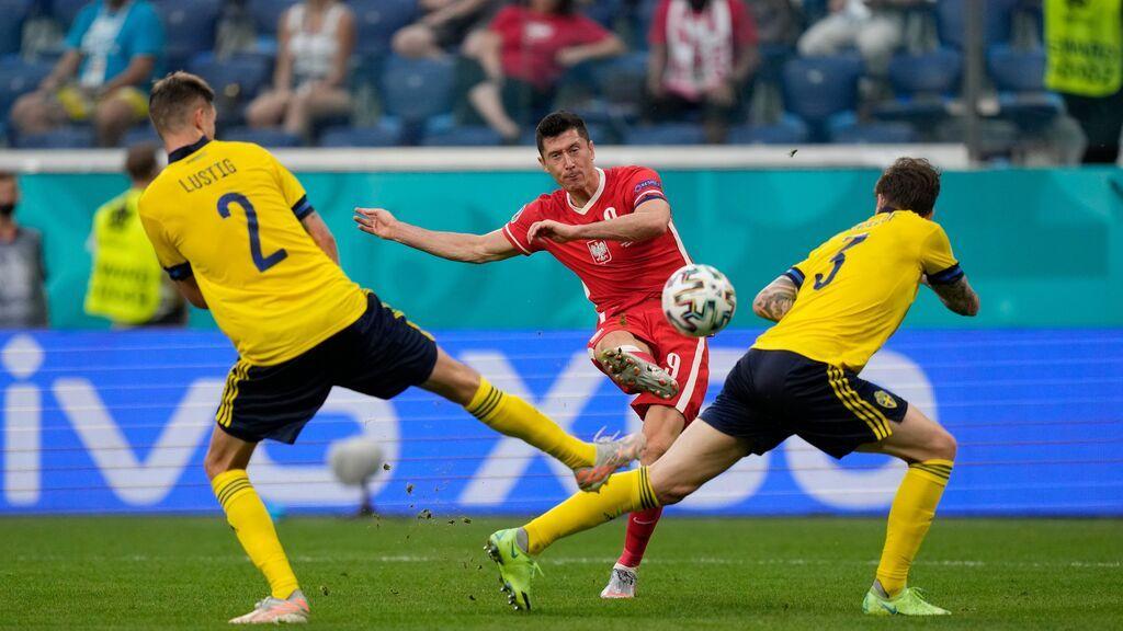 Lewandowski marca un golazo y deja su sello de calidad en el Suecia-Polonia (2-1)