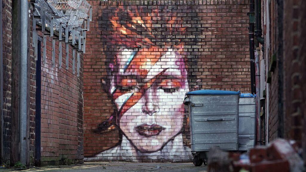 Del vertedero a subastarse por 50 mil euros: la pintura desconocida de David Bowie que ha hecho historia