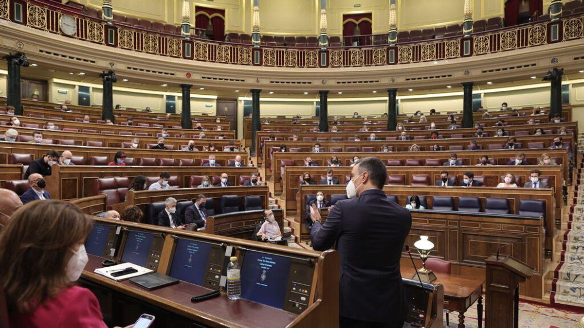 Choque frontal en el Congreso: Casado pide elecciones y el Gobierno en pleno defiende los indultos