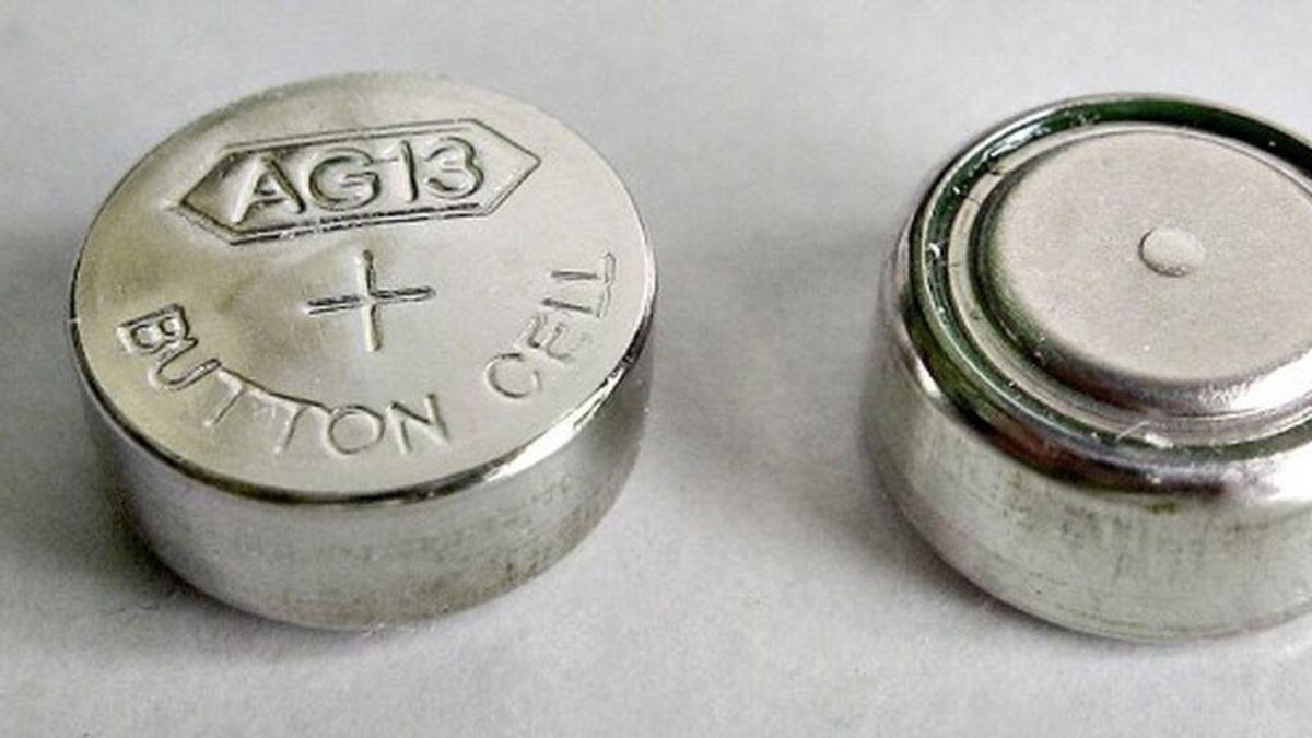 Muere una niña de 2 años en Inglaterra al tragarse una batería y perder la mitad de la sangre de su cuerpo