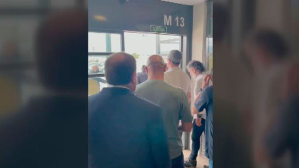 Los momentos previos de la salida de los  presos del procés