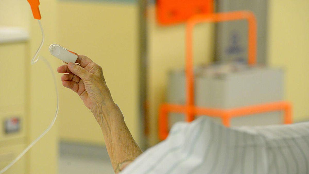 Sanidad y las autonomías consensuan protocolos y fármacos para la eutanasia