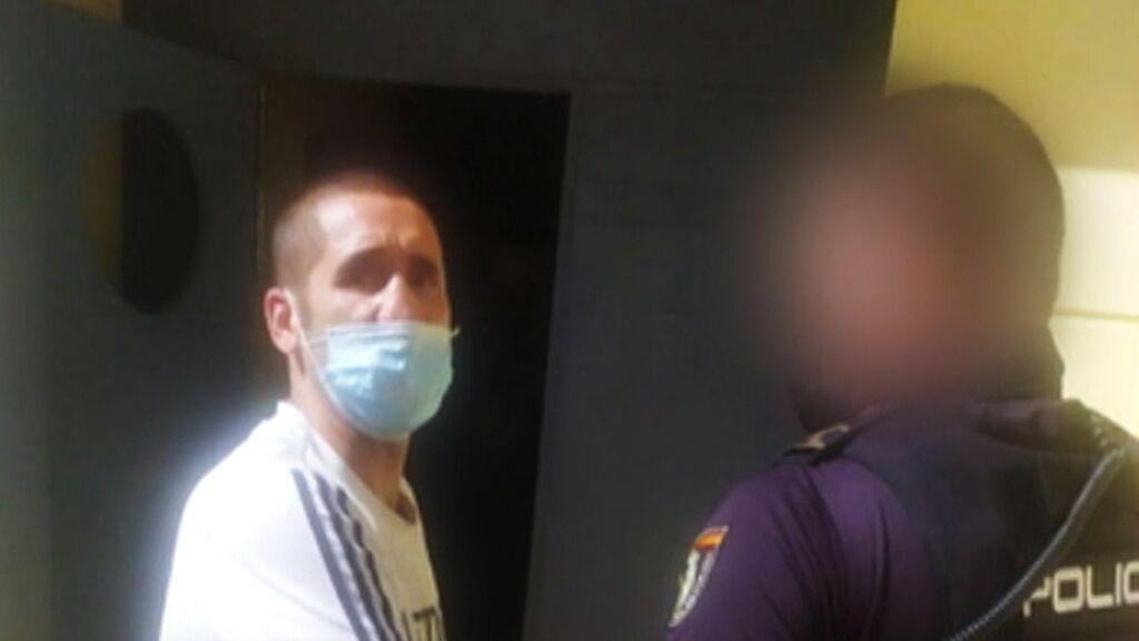 Este es el momento de la detención de Poli Díaz acusado de maltrato