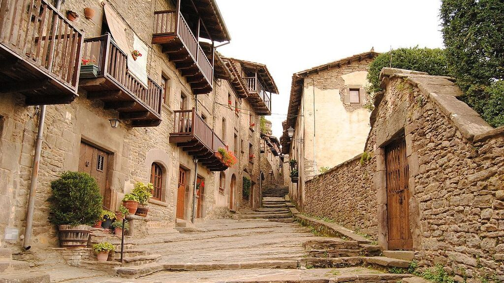 Rupit_-_Barcelona_-_Catalunya_-_Spain_-_panoramio_-_diego_cue_(1)