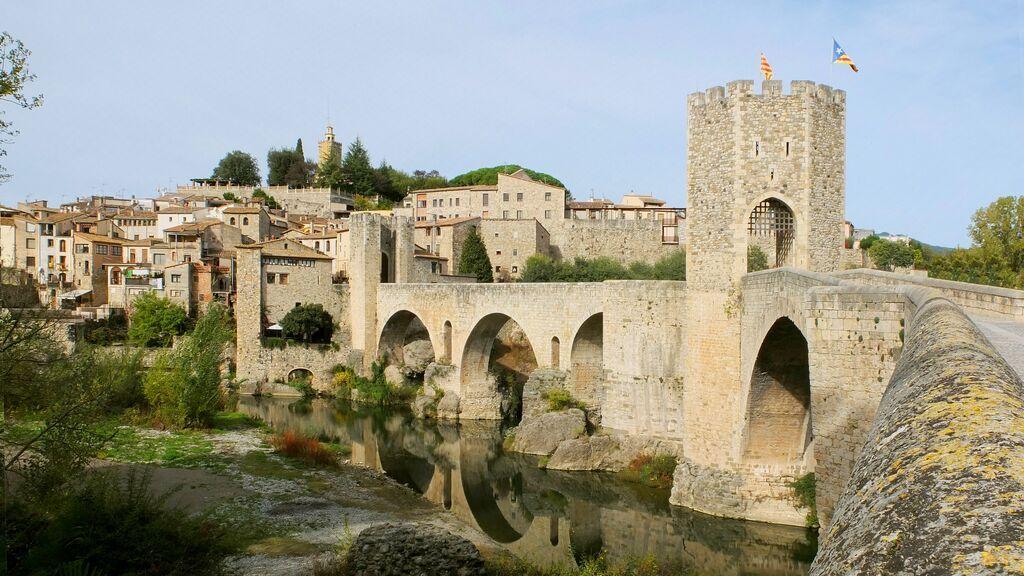 Besalu_fortified_bridge