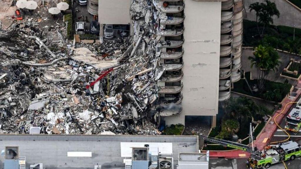 Búsqueda contrarreloj de un centenar de desaparecidos bajo los escombros tras el derrumbe de un edificio en Miami