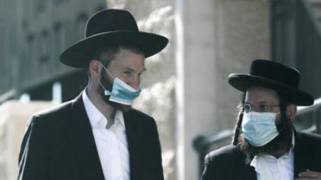 Israel vuelve a la mascarilla en interiores