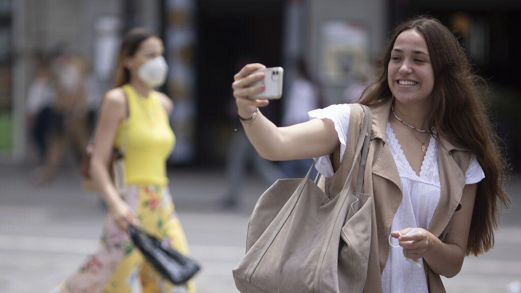 La mascarilla deja de ser obligatoria al aire libre: cuándo tendrás que usarla y cuándo no
