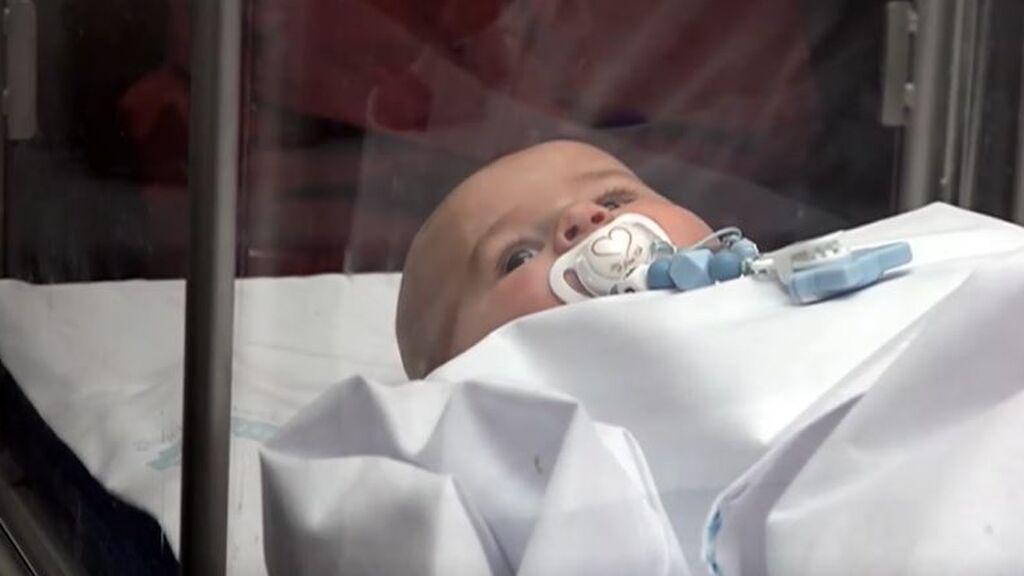 Así se opera el corazón de un bebé