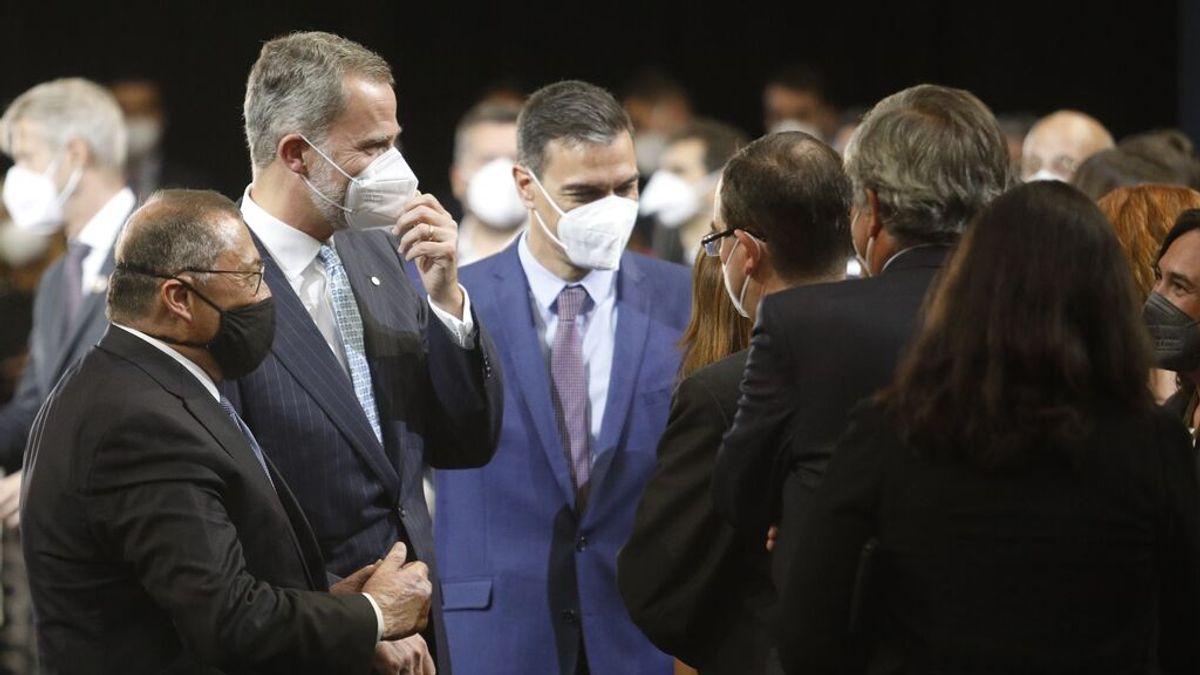 Felipe VI accede al MWC sin problemas con las tímidas protestas de los CDR en el exterior
