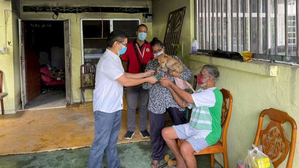 Un perra salva de la muerte a una familia de cinco miembros al despertar a su dueña en medio de la noche