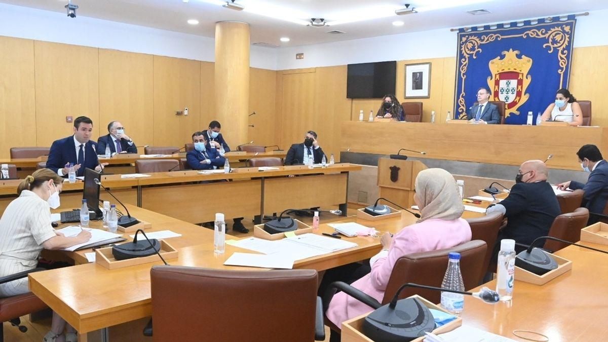 """El presidente de Ceuta suspende la actividad de la asamblea para evitar que Vox traslade """"las tesis de Marruecos"""""""