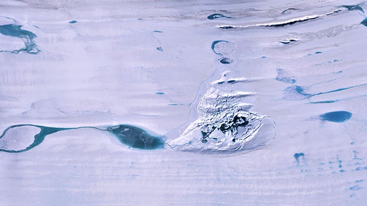 Un inmenso lago cubierto de hielo ha desaparecido repentinamente en la Antártida
