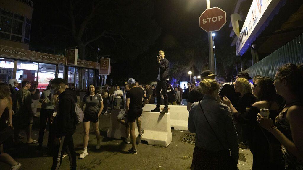 """Los estudiantes confinados por el brote en Mallorca están indignados: """"Estamos desamparados por las autoridades"""""""