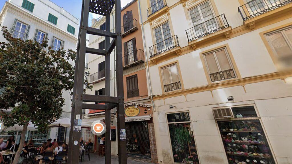Buscan al heredero de un emblemático edificio del siglo XIX en el centro de Málaga
