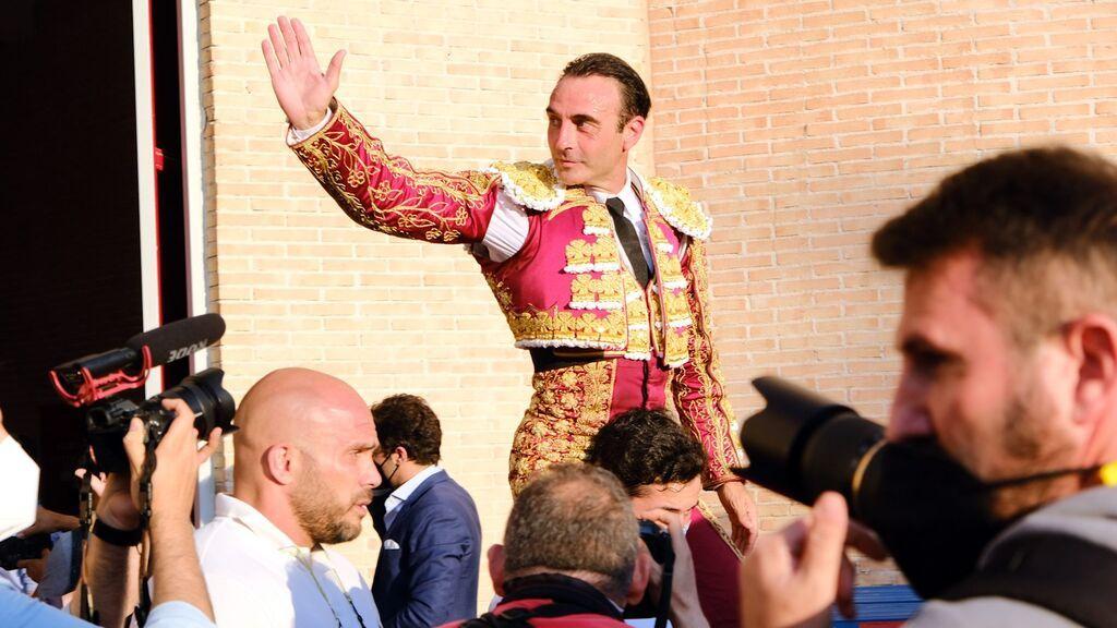 """Enrique Ponce abandona los ruedos durante """"un tiempo indefinido"""""""