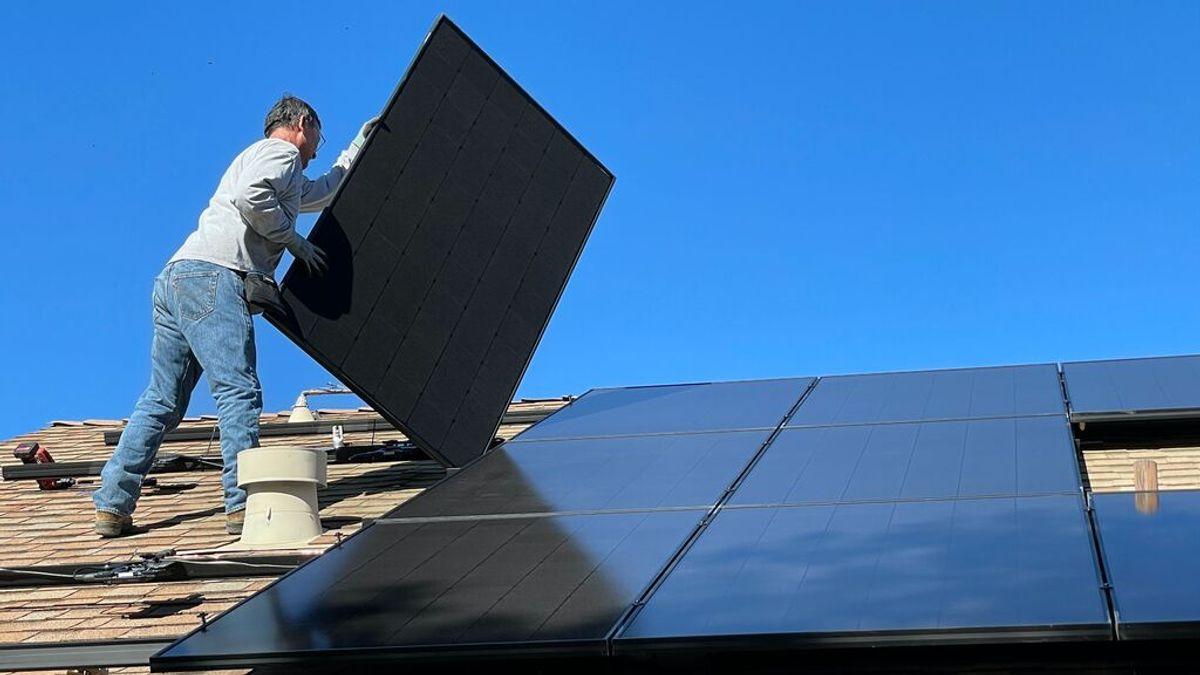 Placas solares, alternativa a la subida de la luz