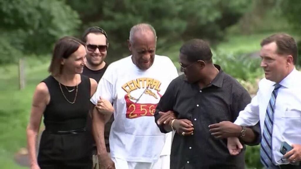 Bill Cosby sale de prisión después de que el Supremo de Pensilvania anulara su condena por agresión sexual
