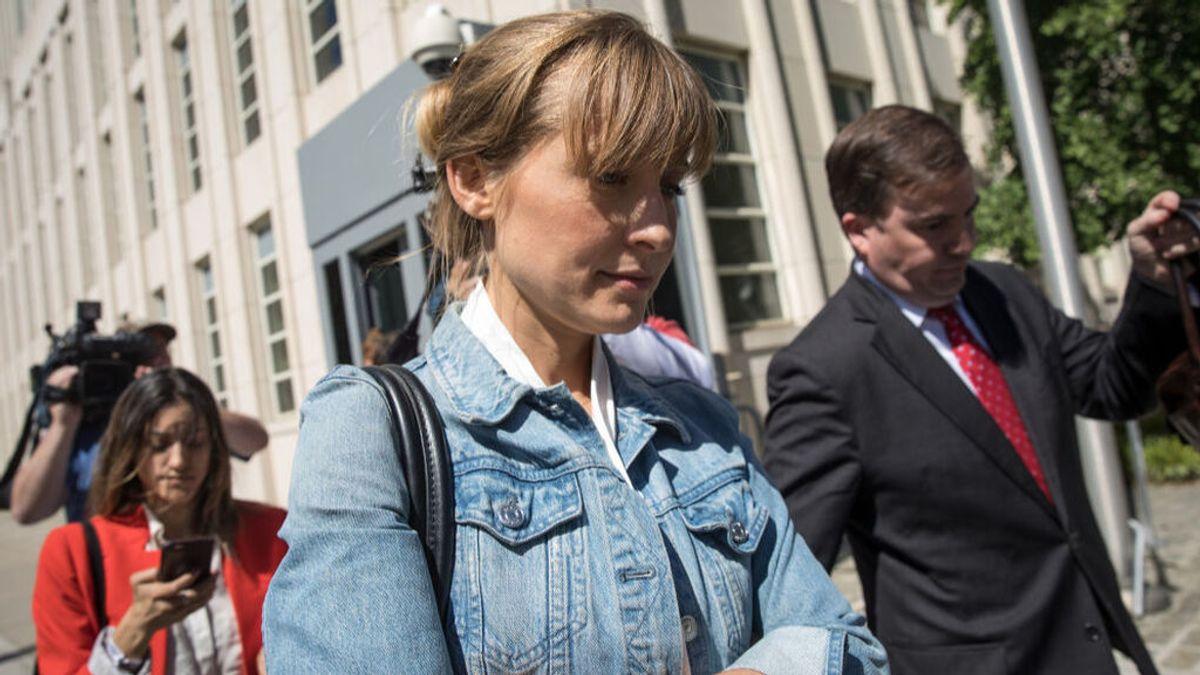 Allison Mack, actriz de 'Smallville', condenada a tres años por reclutar a mujeres para la secta Nxivm