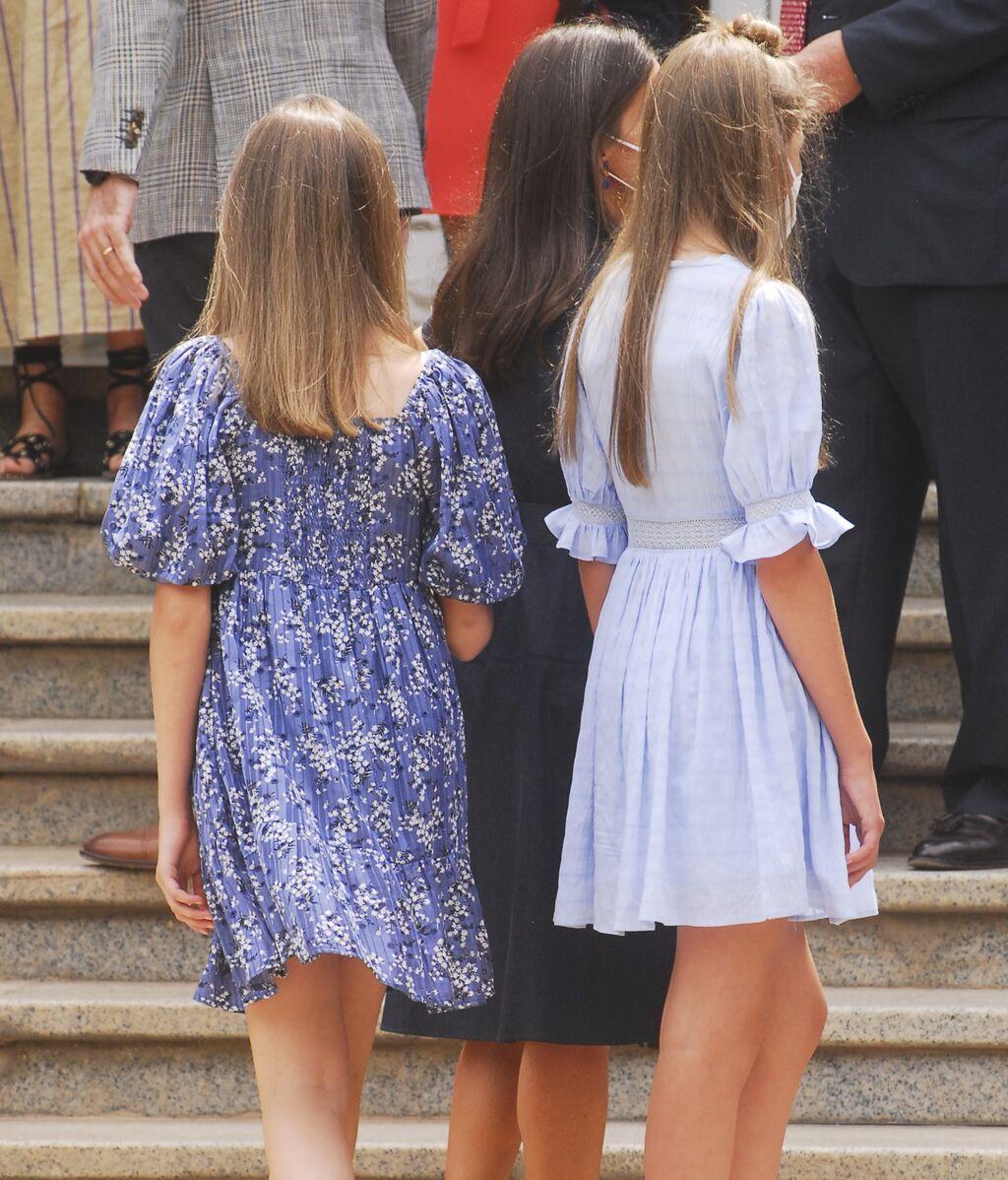 Letizia, Felipe, Sofía y Leonor, conjuntados de azul para la ocasión