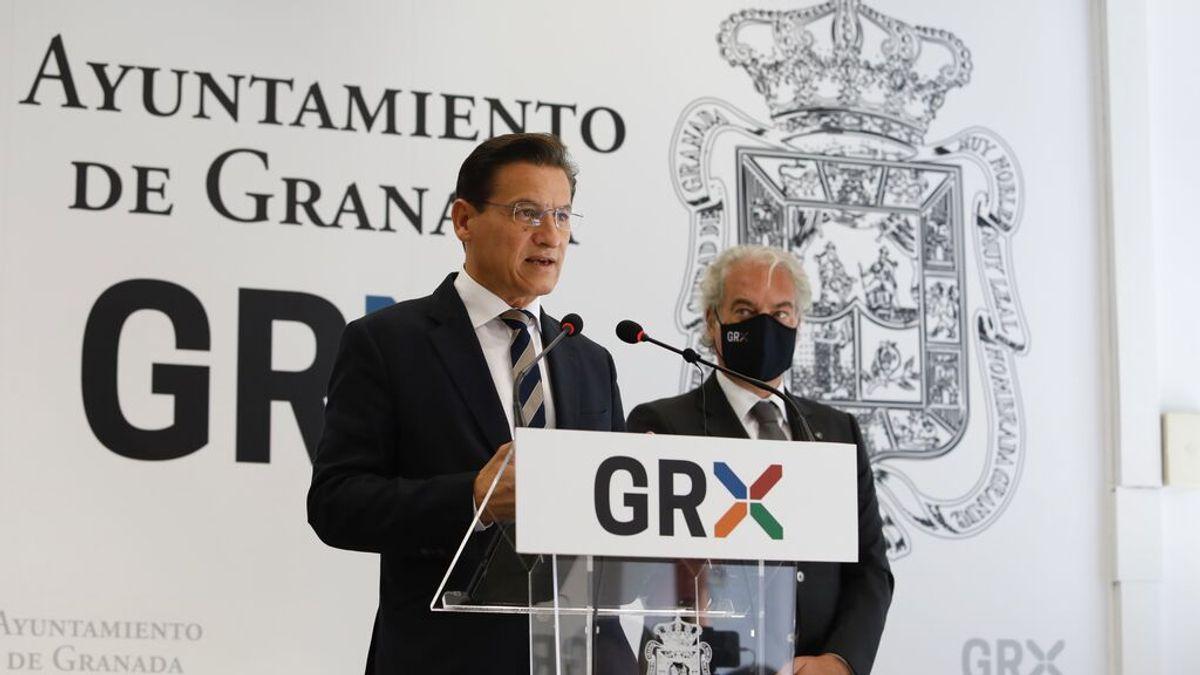 Dimite el alcalde de Granada (C's) un mes después de quedarse sin concejales
