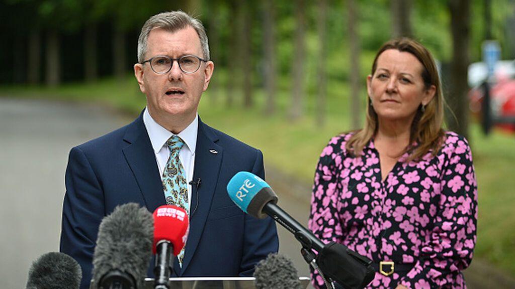 La crisis de los unionistas amenaza con hacer caer al gobierno de Irlanda del Norte