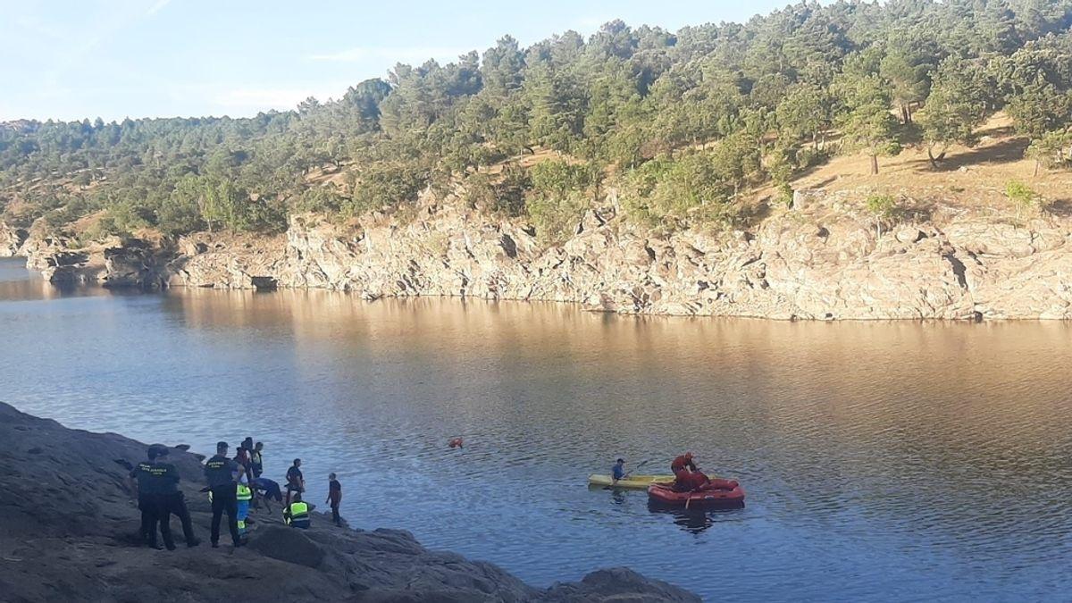 Buscan a un joven de 23 años que cayó al agua en el río Lozoya