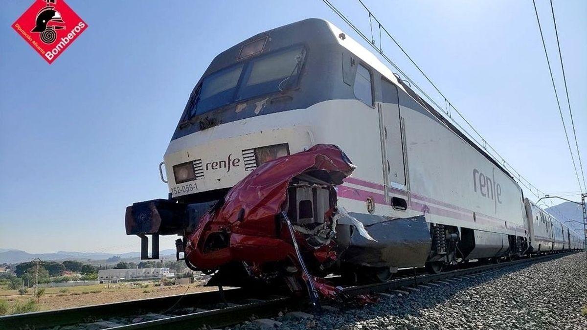 AMPL2.- Cuatro fallecidos en una colisión entre un tren y un vehículo en un paso a nivel en Novelda (Alicante)