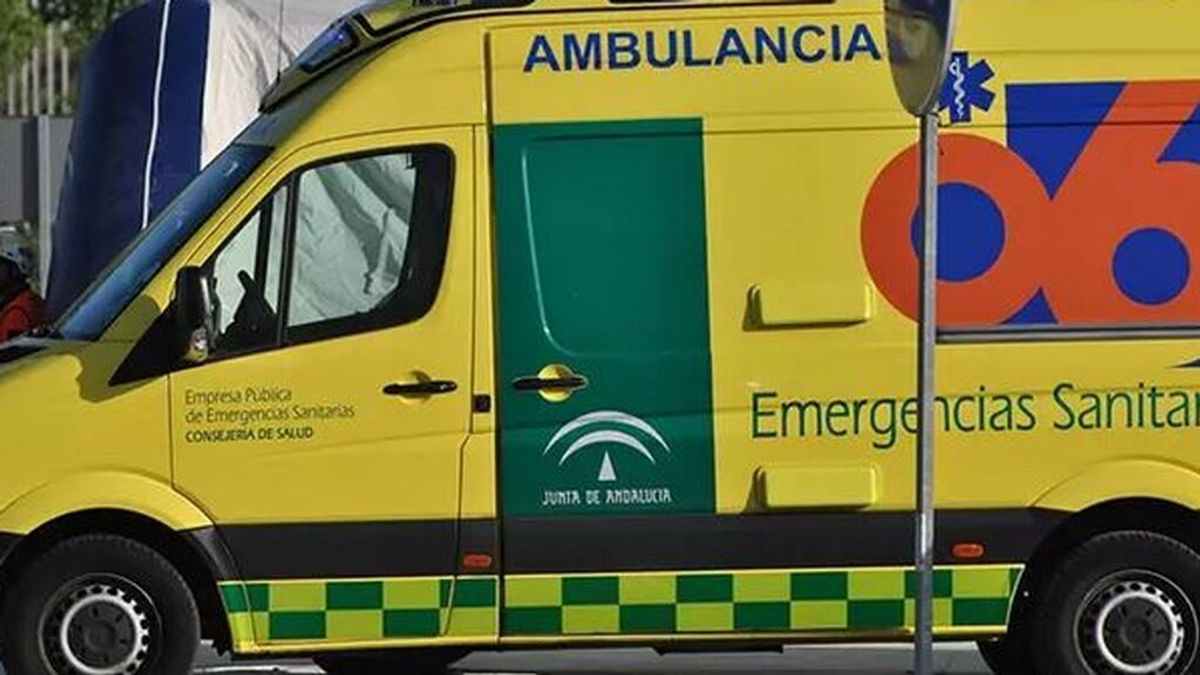 Un muerto y cuatro heridos en un accidente de tráfico entre tres vehículos en Las Gabias, Granada