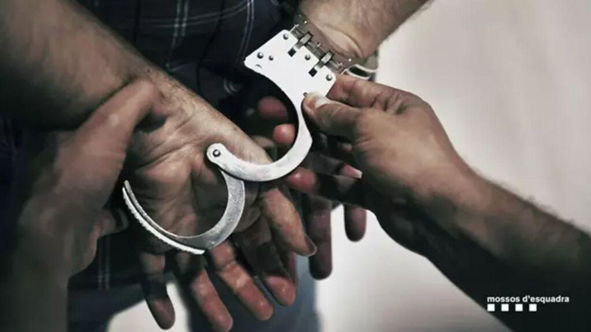 El depredador sexual de Sant Cugat del Vallès , atrapado:  a prisión provisional por exhibicionismo, 5 abusos y 3 violaciones
