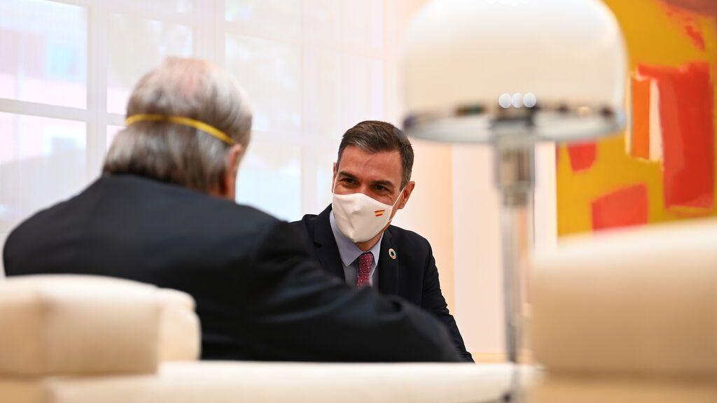 Sánchez arropa a Escrivá, pero deja en el aire qué pasará con las pensiones de los 'baby boomers'
