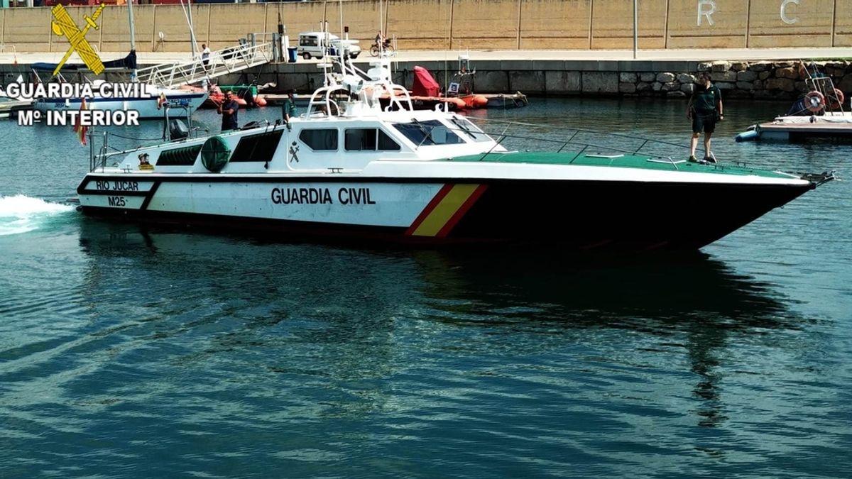 Sucesos.- La Guardia Civil investiga el hallazgo de un cadáver a diez millas del puerto de València