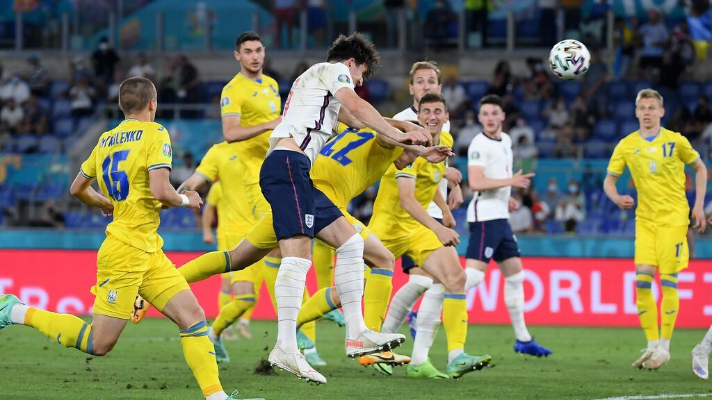 Maguirre anota de cabeza el segundo: Inglaterra amplia la ventaja a balón parado (0-2)