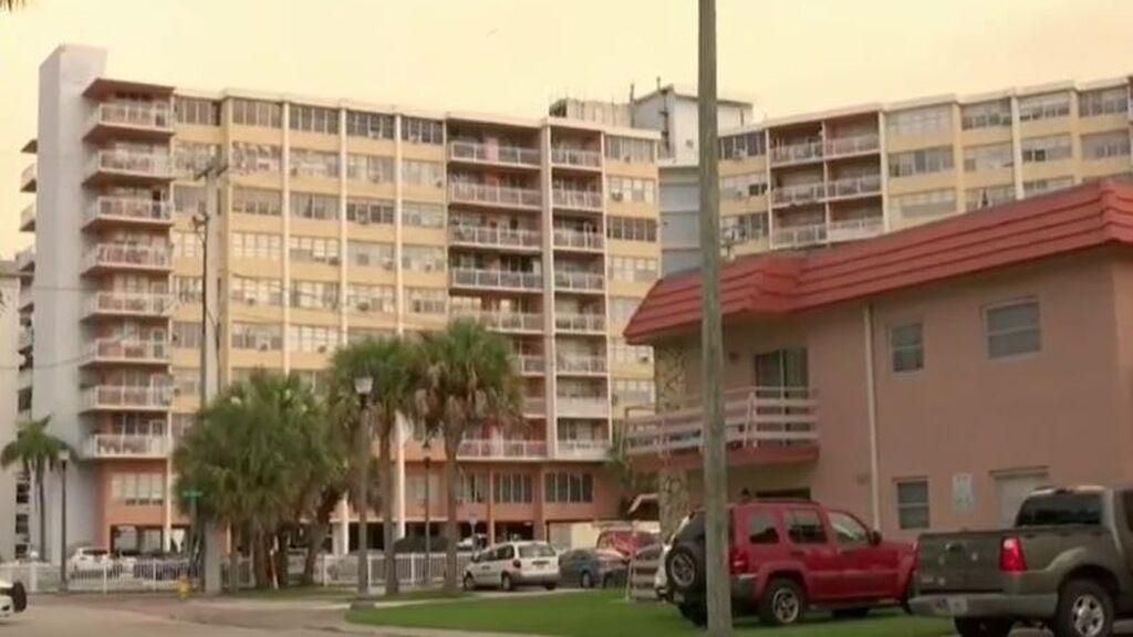 Ordenan la evacuación de un edificio residencial en Miami: peligraba su estructura