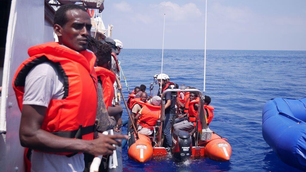 Desaparecen más de 40 migrantes en el mar tras un naufragio cerca de la costa de Túnez