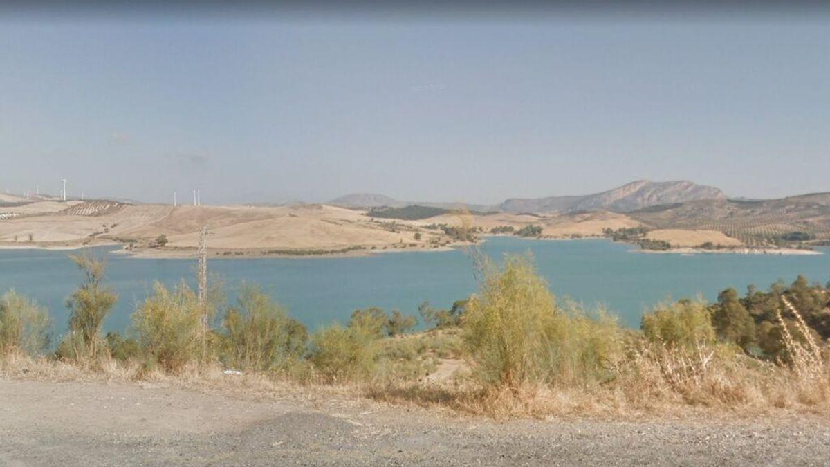 Muere una mujer de 46 años tras caerse desde unas rocas en el pantano de El Chorro, en Málaga