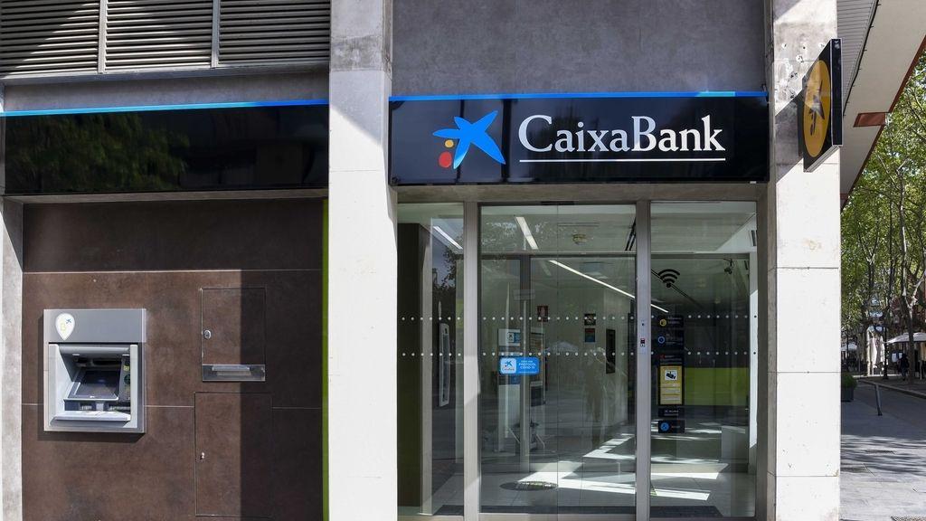 Economía/Finanzas.- La banca pacta el ajuste de más de 15.000 empleos desde que irrumpió la pandemia