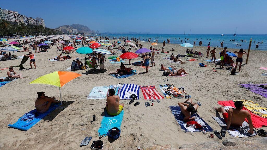 El Gobierno confía en que lleguen 37 millones de turistas hasta final de año