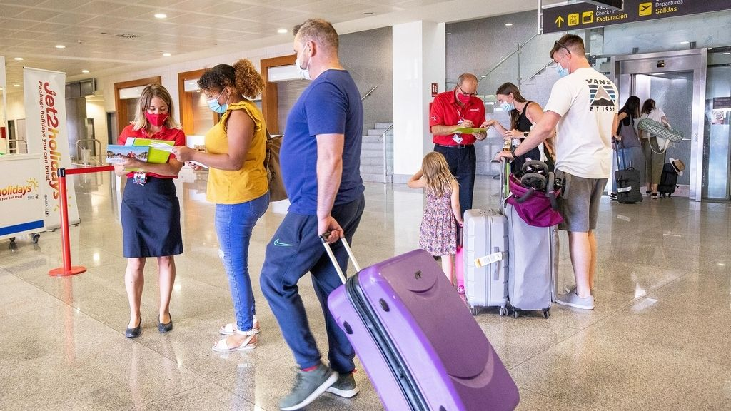 TURISMO.-España eleva las previsiones de turistas internacionales a 16,9 millones aunque condicionada a los británicos