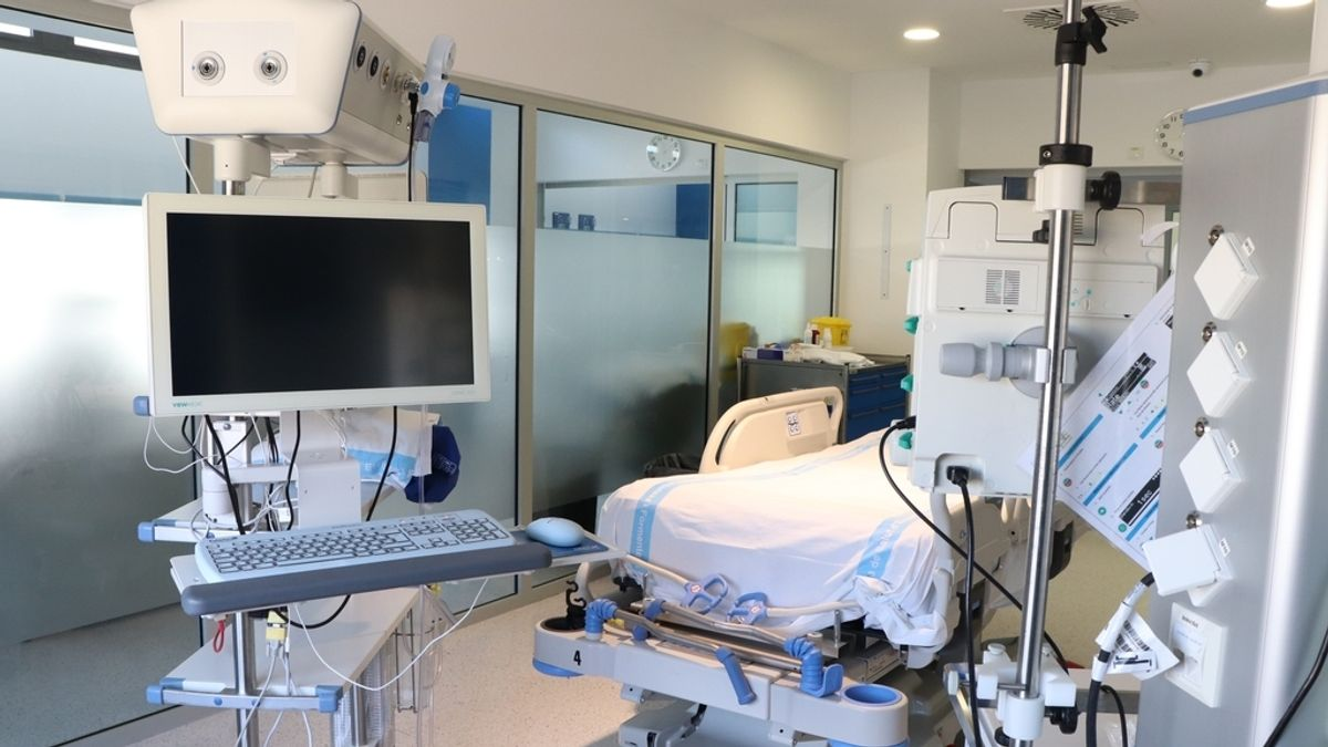 Coronavirus.- Trasladan de Formentera a la UCI de Ibiza a un joven de 20 años al empeorar su estado por COVID