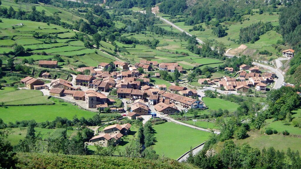 Carmona_(Cantabria) wiki